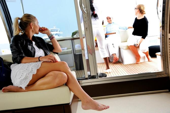 On Board Azimut Grande